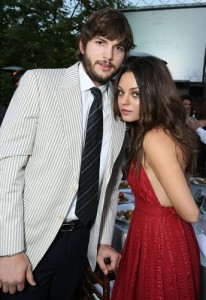 Mila Kunis and Ashton Kutcher 206x300 Mila Kunis and Ashton Kutcher First Kiss