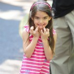 Suri Cruise Key Point Between Katie Holmes and Tom Cruise 150x150 Tom Cruise Visiting Suri First Time After Divorce
