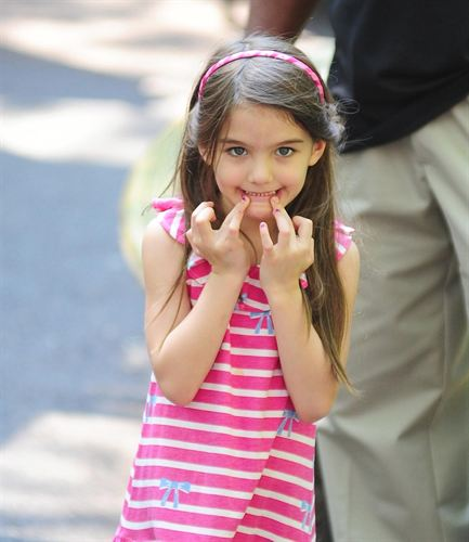 Suri Cruise Key Point Between Katie Holmes and Tom Cruise Suri Cruise Key Point Between Katie Holmes and Tom Cruise