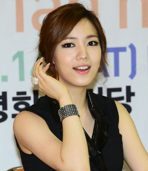 T ara Hwayoung Hwayoung Visited To Core Contents Media Agency