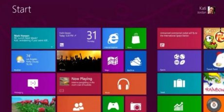 Windows 8 Microsoft Updates its Applications