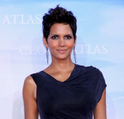Capture5 Halle Berry puts home on the market for $15 million