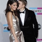 Justin Bieber and Selena Gomez Young Couple Broke Up 150x150 Justin Biebers mother forced Him To Return To Selena