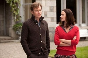 emily blunt and ewan mcgregor in salmon fishing in the yemen 500x332 300x199 Salmon Fishing in the Yemen 2011 Movie Review
