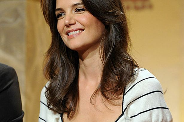 katie holmes pic afp getty images 283804392 Katie Holmes seems smiles better as individual ategory at Broadway occasion