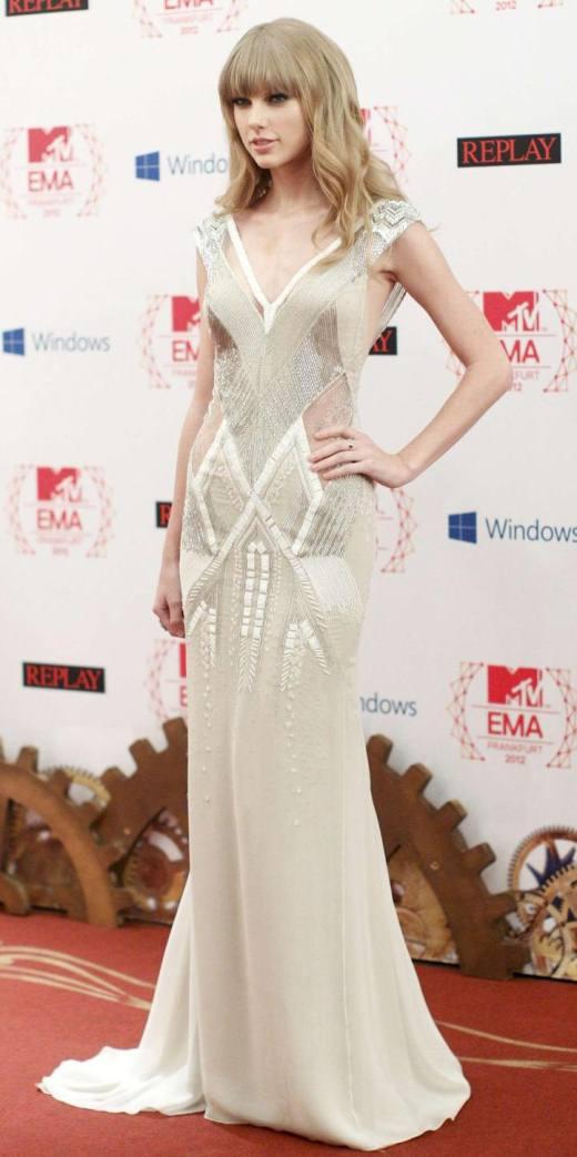 taylor-swift-dress-mtv-europe-music-awards