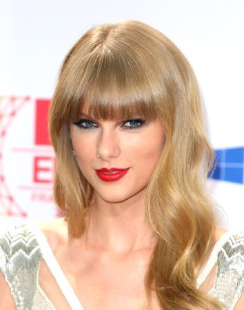 Taylor Swift Taylor Swift Travels To London To Win Back Harry Styles