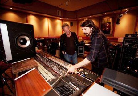 Dave Grohl films the essence of the 'Sound City'