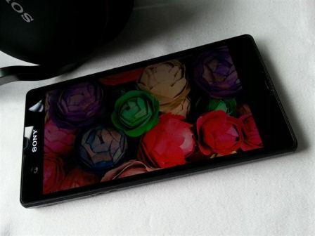 Sony Xperia Z Sony Xperia Z: Touchdown Specs And Review
