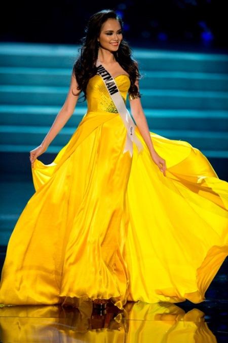 Miss Vietnam Luu Thi Diem Huong