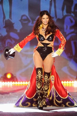 Victoria Secret Fashion Show 2012 Adriana Lima