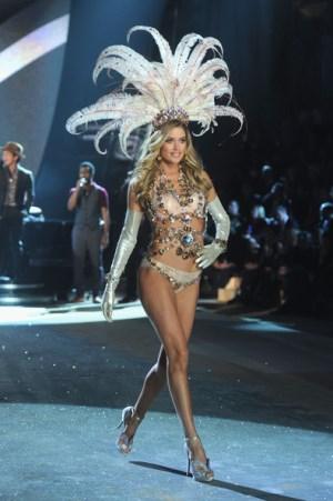 Victoria Secret Fashion Show 2012 Angel Doutzen Kroes