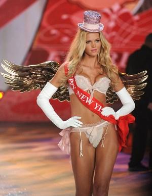 Victoria Secret Fashion Show 2012 Angel Erin Heatherton