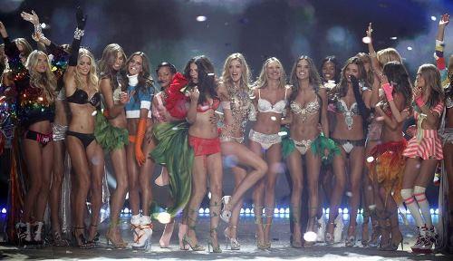 Victoria Secret Fashion Show 2012 Angels