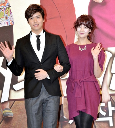 Oh Yeon Seo and Lee Jang Woo an official couple